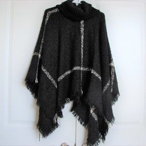 Laura Black & White Turtleneck Blanket Poncho
